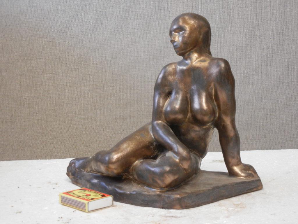 Šárka, 20 cm, vysokožárová keramika, kovová glazura