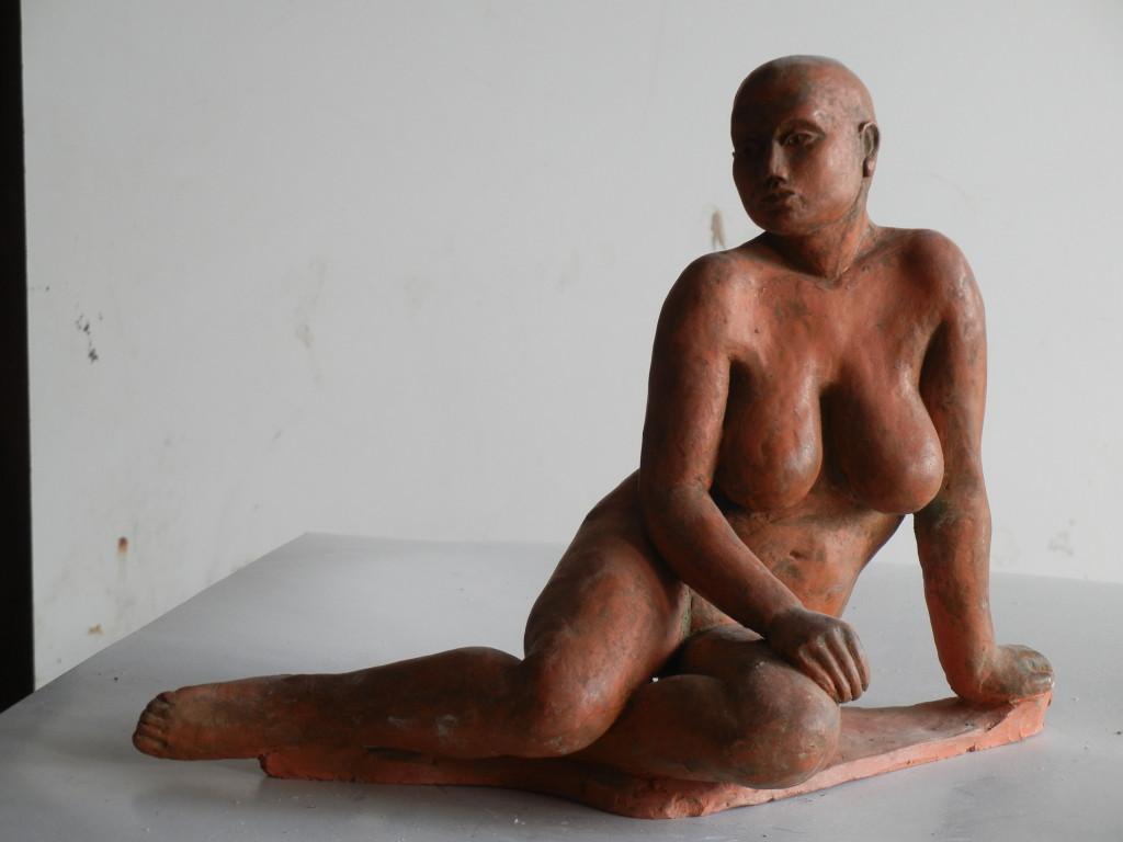 Šárka, výška 20 cm, vysokožárová keramika